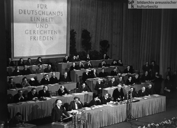 "First German People's Congress ""For German Unity and a Just Peace"" in Admiralspalast in East Berlin (December 6-7, 1947)"