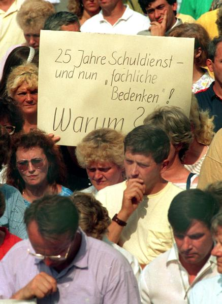 Teacher Demonstration in Erfurt (July 9, 1991)