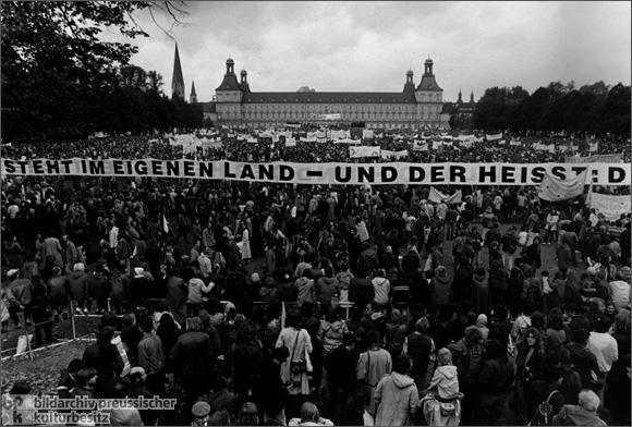 Peace Demonstration in Bonn (October 10, 1981)