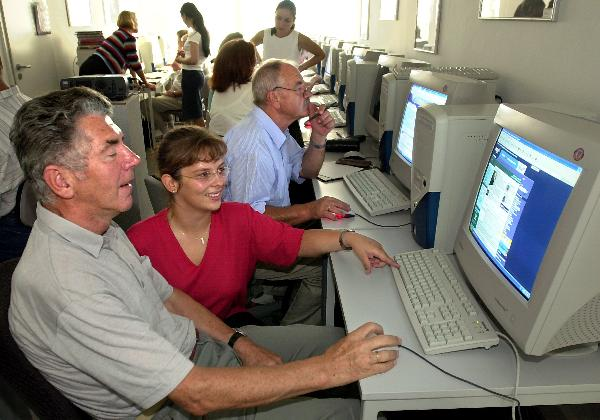 Senior Citizens' Internet Cafe in Rostock (September 11, 2002)